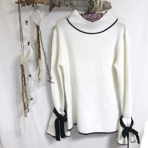 Maxsport Ivory and black bell sleeve bow sweater
